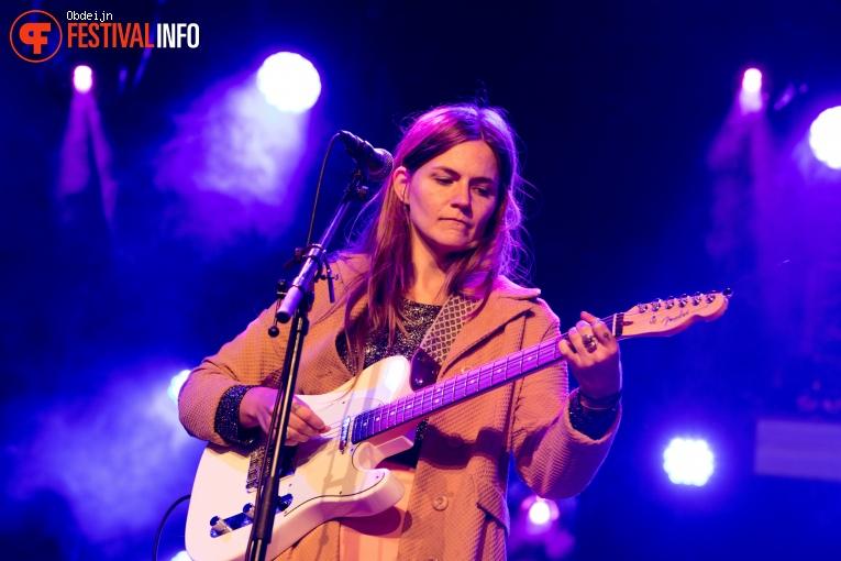 Erin Rae op Once in a blue moon festival 2018 foto
