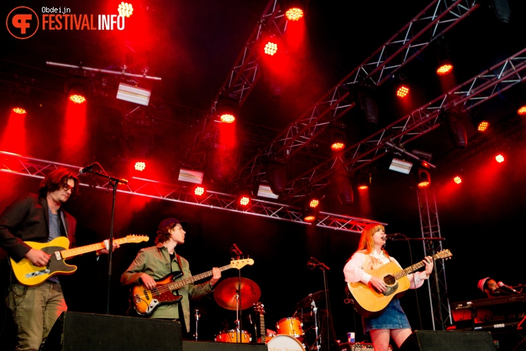 Courtney Marie Andrews op Once in a blue moon festival 2018 foto