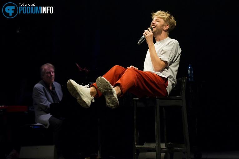 Wouter Hamel op Muzikale Helden (generale repetitie) - 12/09 - De Kleine Komedie foto