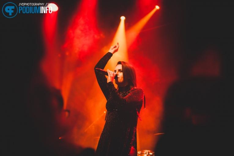 Foto Emma Blackery op Emma Blackery - 9/10 - Sugarfactory