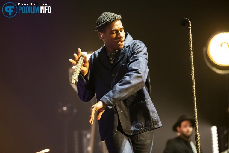 Foto Leon Bridges op Leon Bridges - 01/11 - AFAS Live