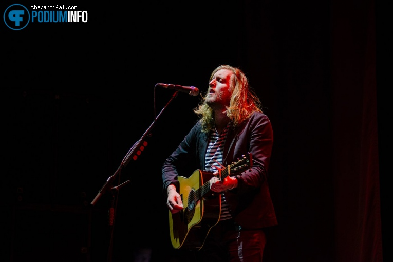 Foto Andy Burrows op Tom Odell - 8/11 - Afas Live