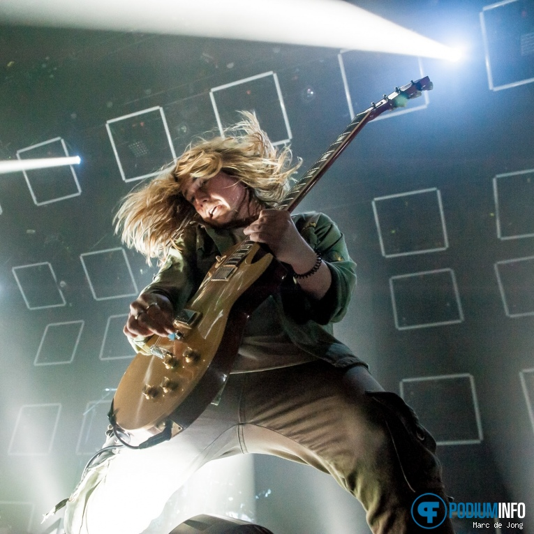Nothing But Thieves op Nothing But Thieves - 16/11 - 013 foto
