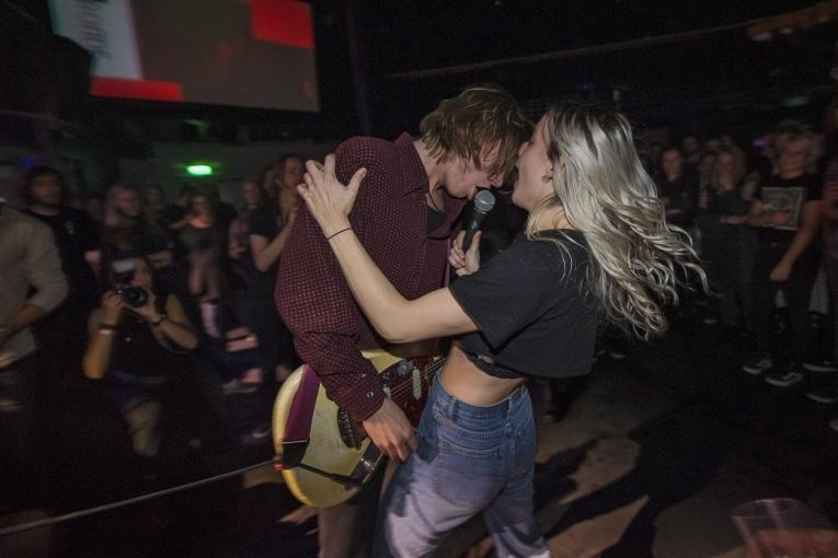 Love Couple op Popronde Eindfeest 2018 - 24/11 - Melkweg foto