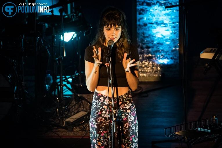 Foto Roos Blufpand op Roos Blufpand - 09/02 - TivoliVredenburg