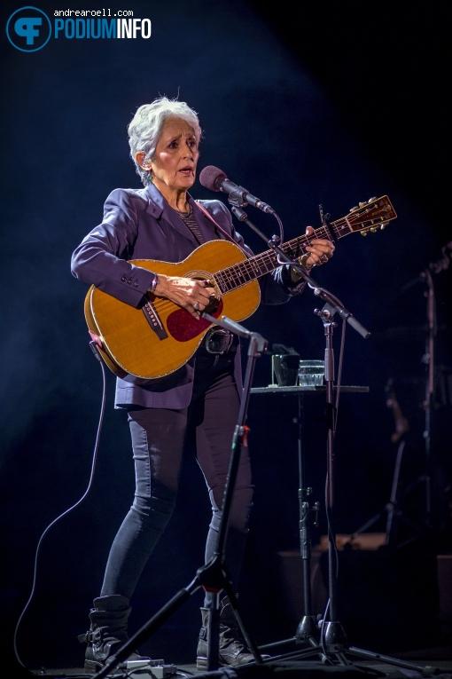 Foto Joan Baez op Joan Baez - 08/02 - Carré