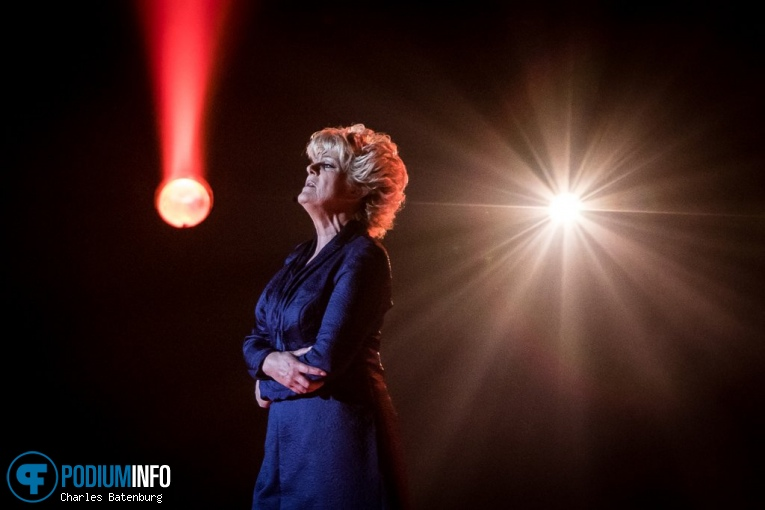 Simone Kleinsma op The Passion in concert - 20/04 - Ahoy foto