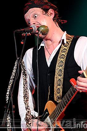 Foto Ian Siegal op Moulin Blues 2008
