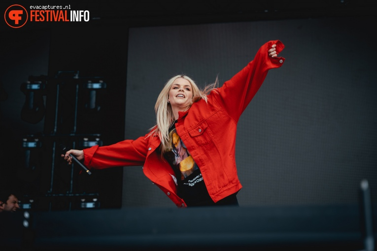 Davina Michelle op Vestrock 2019 foto