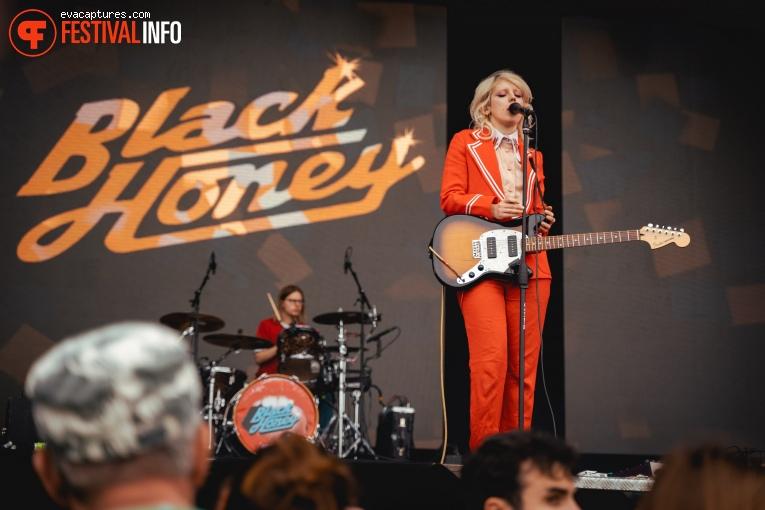 Black Honey op Vestrock 2019 foto