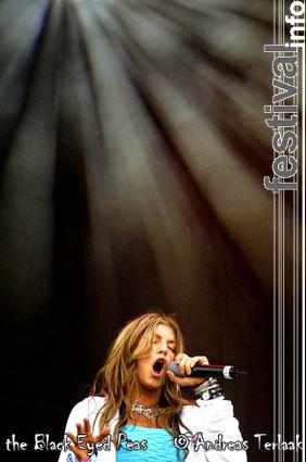 Foto Black Eyed Peas op Pinkpop 2004 ma