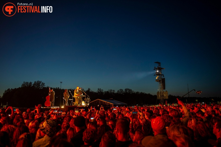 Mumford and Sons op Pinkpop 2019 - Zaterdag foto