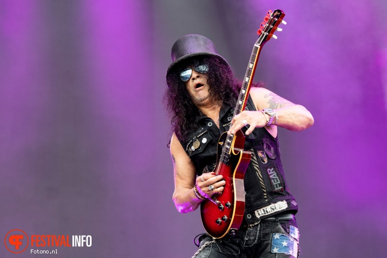 Foto Slash feat. Myles Kennedy & The Conspirators op Pinkpop 2019 - Maandag