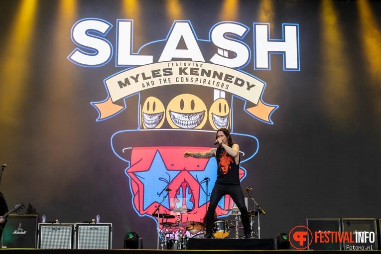 Foto Slash feat. Myles Kennedy & The Conspirators op Pinkpop 2019 - Maandag