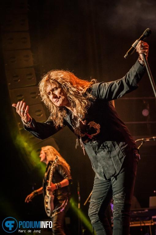 Foto Whitesnake op Whitesnake - 12/06 - 013