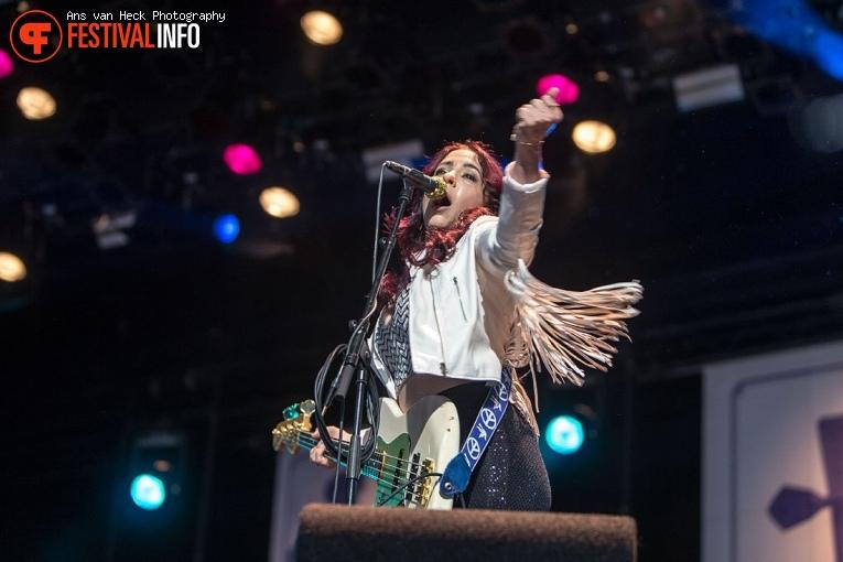Danielle Nicole Band op Holland International Blues Festival 2019 foto