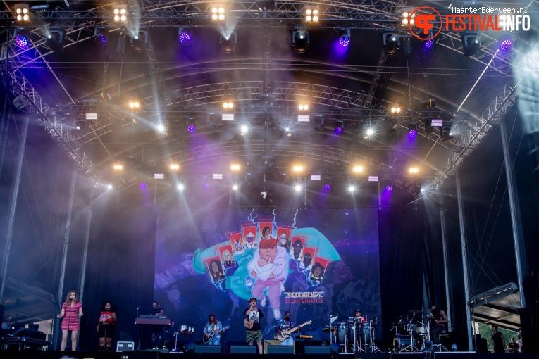 Ronnie Flex & Deuxperience Band op Parkpop 2019 foto