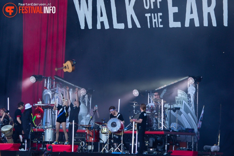 Walk off the Earth op Parkpop 2019 foto