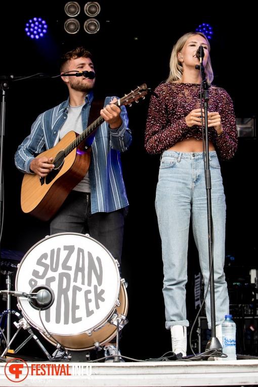 Suzan & Freek op Fields of Joy Festival 2019 foto