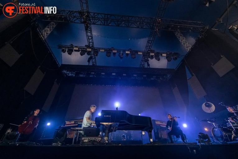 Ólafur Arnalds op Down the Rabbit Hole 2019 - zaterdag foto