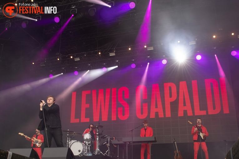 Lewis Capaldi op Down the Rabbit Hole 2019 - zaterdag foto