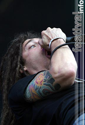 Foto Shadows Fall op Dynamo Open Air 2004