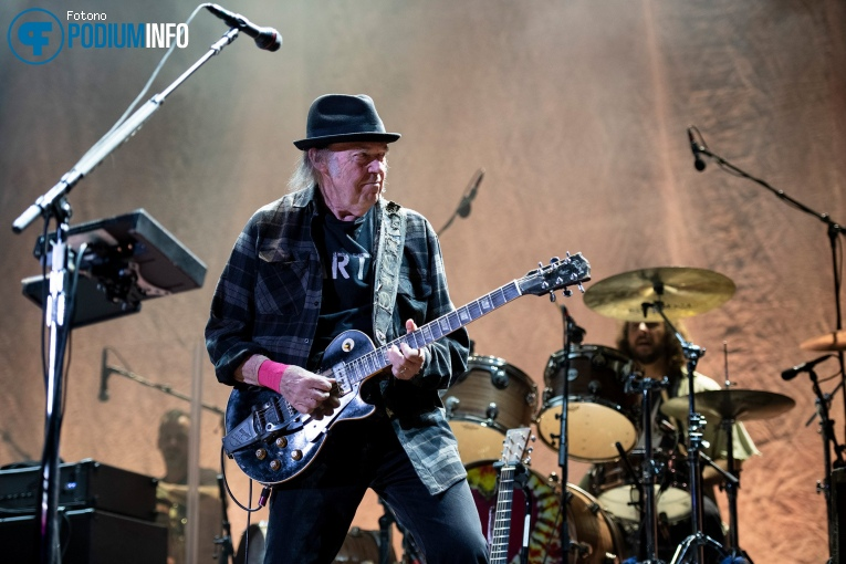 Foto Neil Young op Neil Young + Promise of the Real - 10/07 - Ziggo Dome