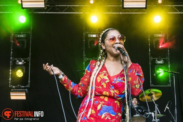Hollie Cook op Werfpop 2019 foto