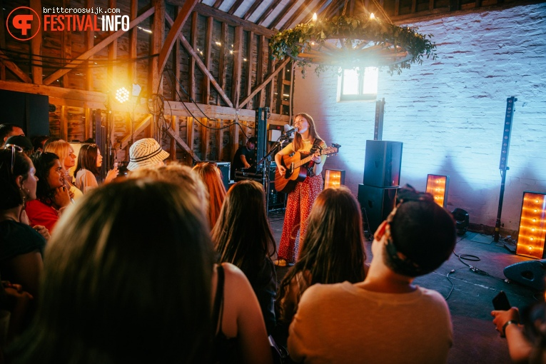 Orla Gartland op Barn on the Farm 2019 - Donderdag foto