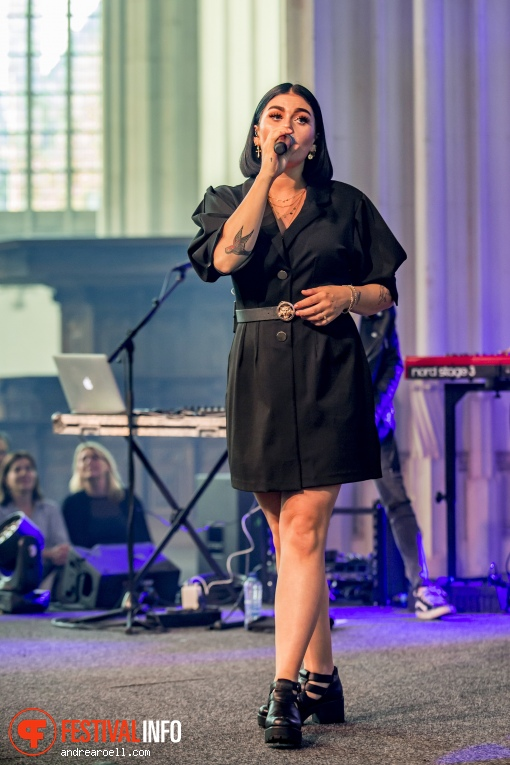 Foto Roxeanne Hazes op Vierdaagsefeesten Nijmegen 2019