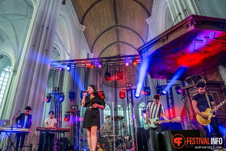 Roxeanne Hazes op Vierdaagsefeesten Nijmegen 2019 foto