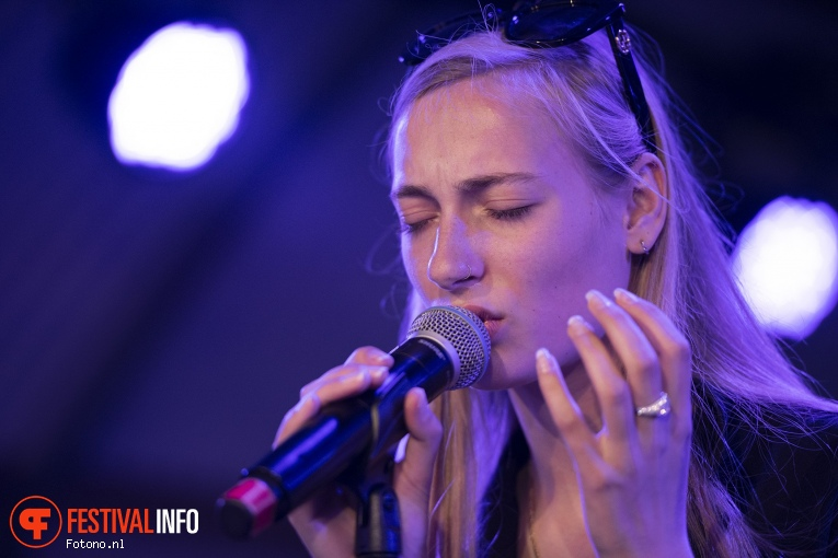 S10 op Welcome To The Village 2019 - zondag - foto