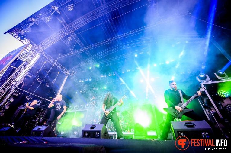 Meshuggah op Into The Grave 2019, Zaterdag foto