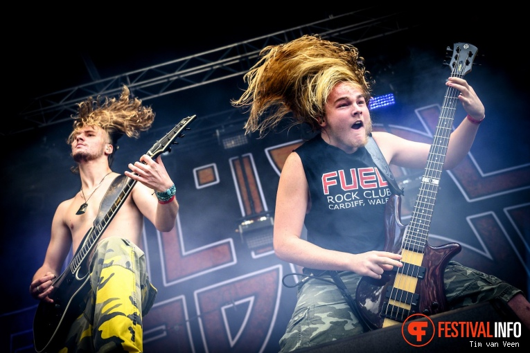 Alien Weaponry op Into The Grave 2019, Zaterdag foto