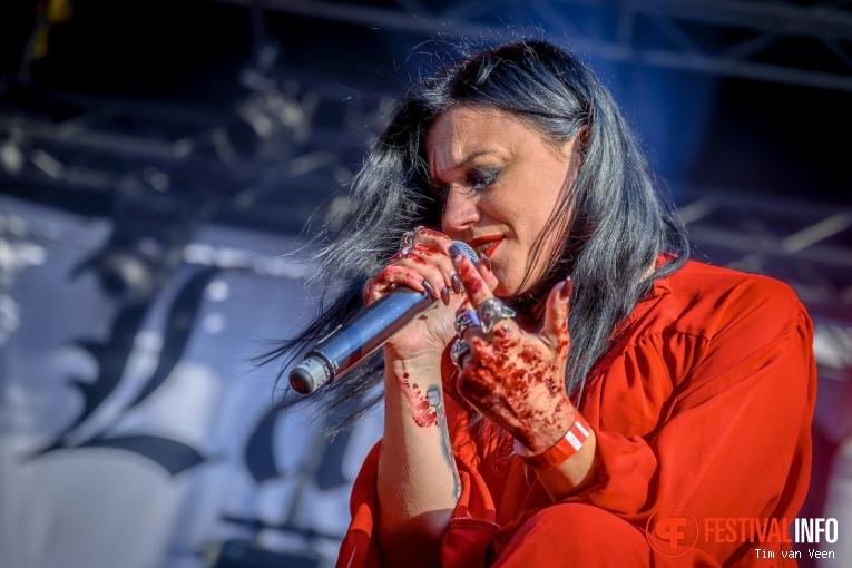 Lacuna Coil op Into The Grave 2019, Zaterdag foto