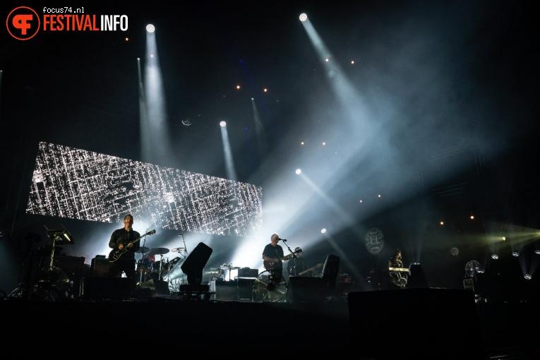 New Order op Lowlands 2019 - Zondag foto