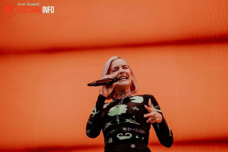Anne-Marie op Pukkelpop 2019 - zaterdag foto