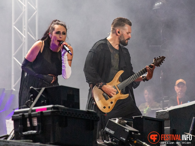 Within Temptation op M'era Luna 2019 foto