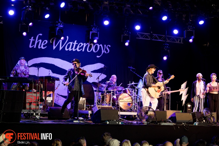 Foto The Waterboys op Once in a blue moon 2019