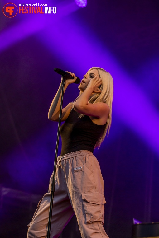 Davina Michelle op Festival Strand 2019 foto