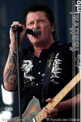 Golden Earring op Arrow Classic Rock 2004 foto