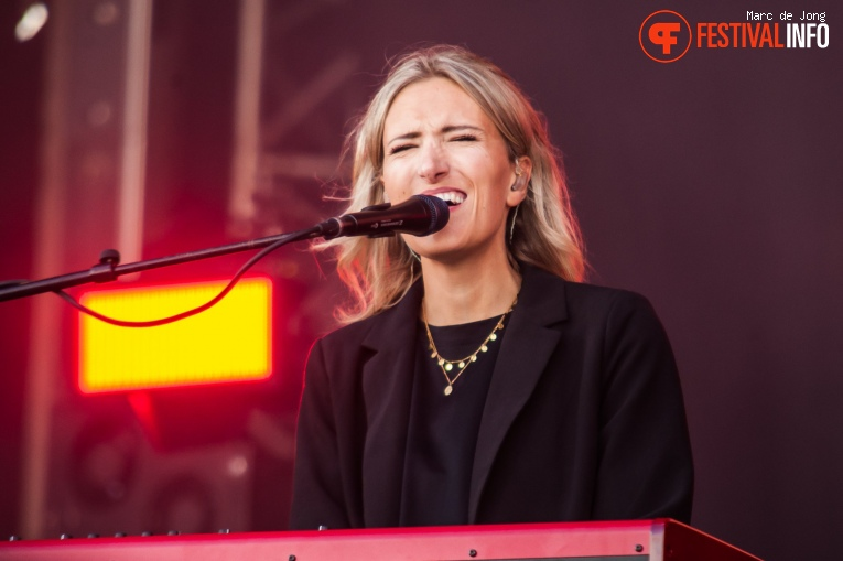 Foto Suzan & Freek op Live on The Beach 2019 - Zaterdag