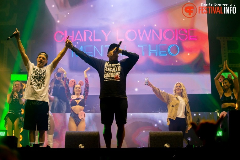 Charly Lownoise & Mental Theo op Live on The Beach 2019 - Vrijdag foto