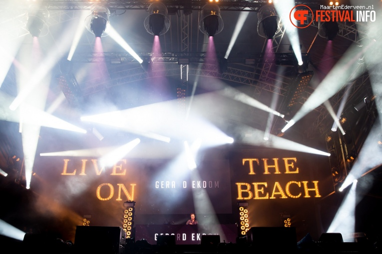 Gerard Ekdom op Live on The Beach 2019 - Vrijdag foto