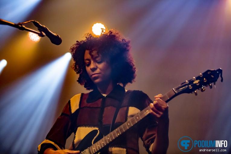 Nana Adjoa op Dope Lemon - 14/09 - Melkweg foto