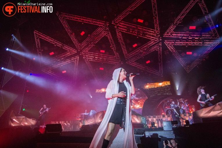 Within Temptation op Appelpop 2019 foto