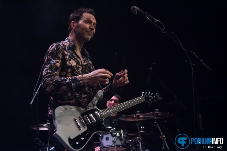 Foto Paul Gilbert op Paul Gilbert - 12/10 - Metropool