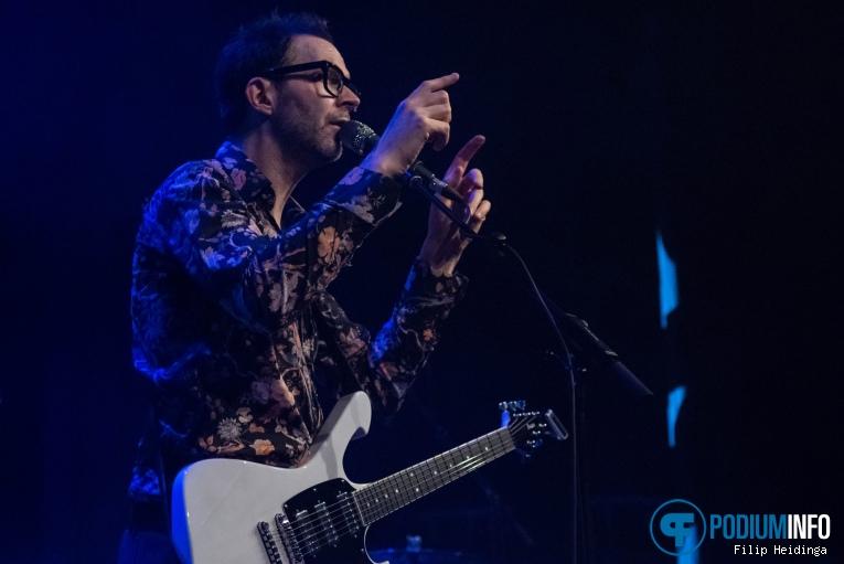 Foto Paul Gilbert op Paul Gilbert - 12/10 - Metropool