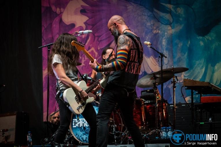 Baroness op Volbeat - 19/11 - Ziggo Dome foto