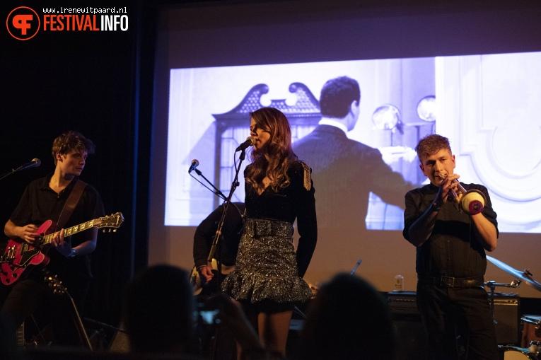 Suzy V op Popronde Eindfeest - 30/11 - Melkweg foto